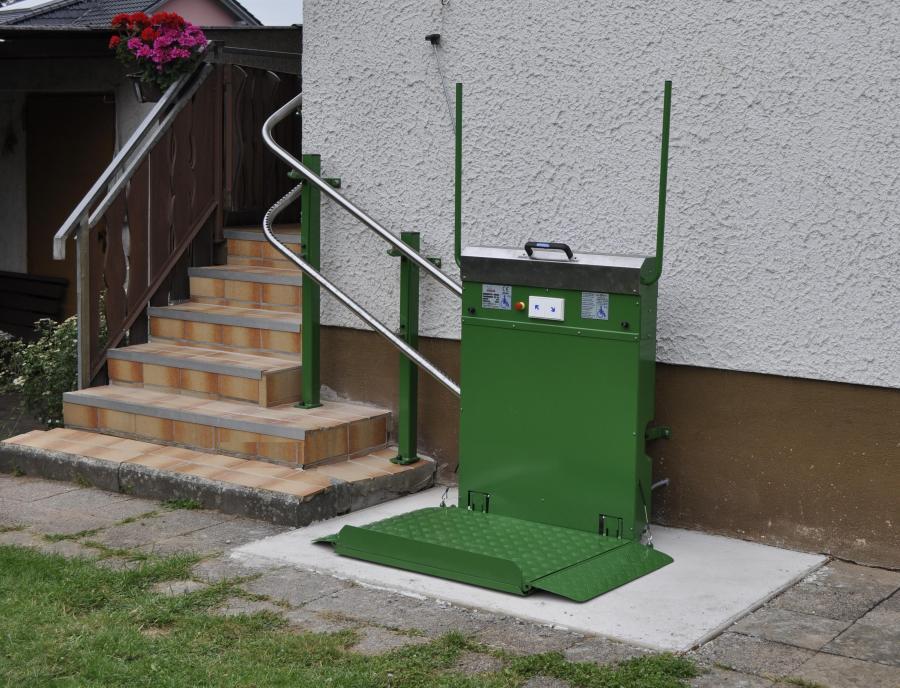 Plattformlift, 90°-Kurve, Außenanlage