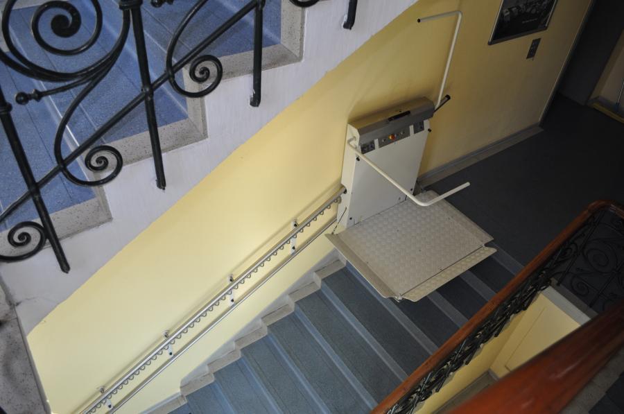 Plattformlift, gerade Ausführung, Innenanlage