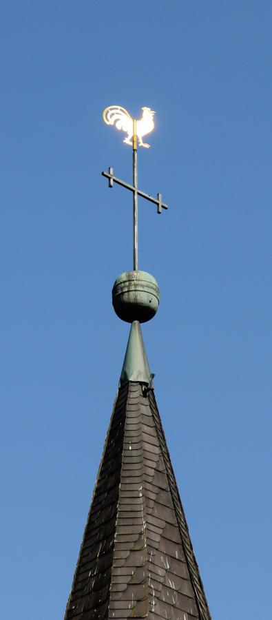Hahn auf dem Kirchturm
