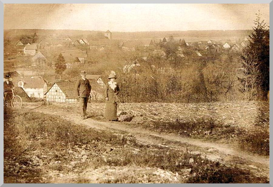Harster Heerweg um 1900 über den Mühlberg