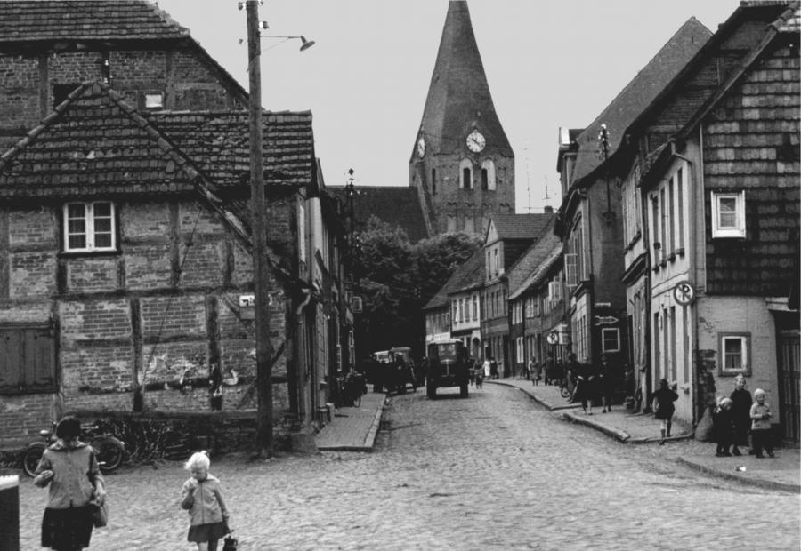 Die Wilhelm-Pieck-Straße, etwa 1962