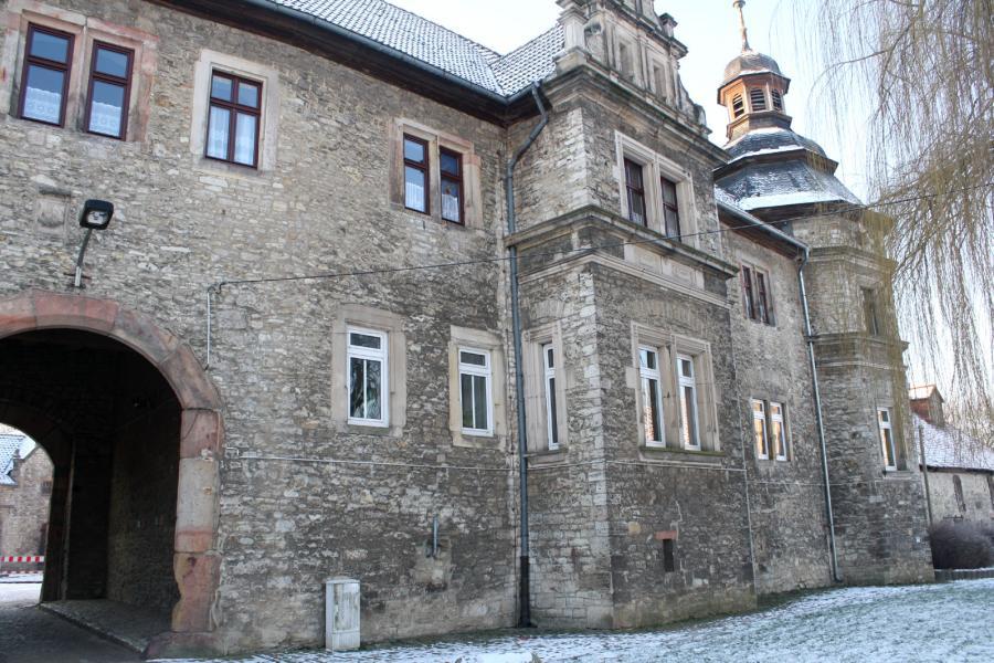 Einfahrt Burg