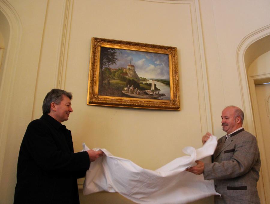 Enthüllung durch Landrat Arndt Steinbach und Maler Roland Schwenke