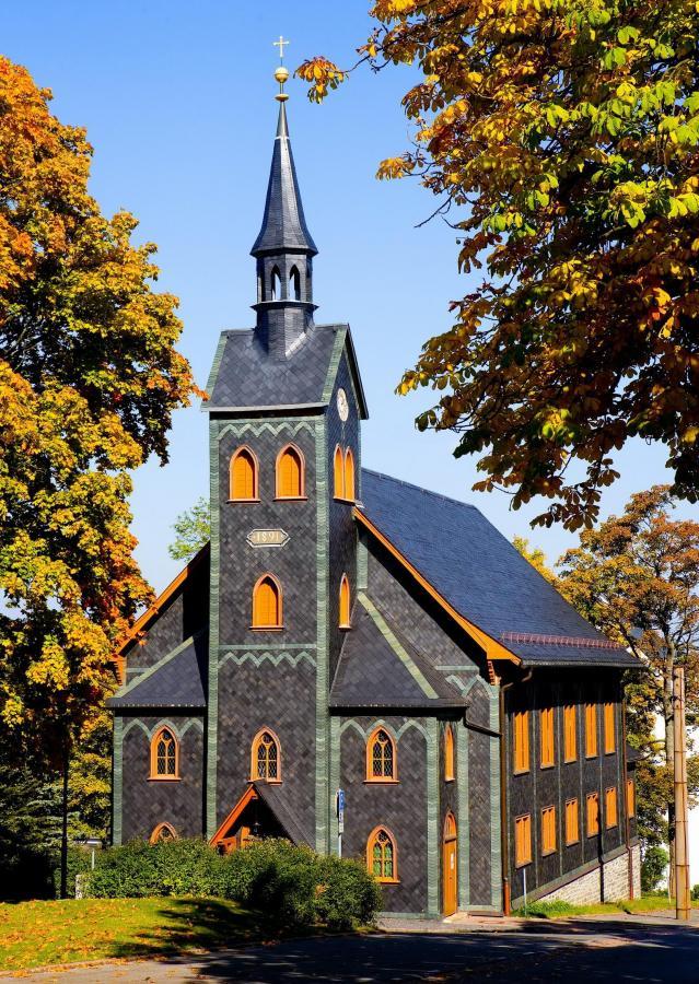 Holzkirche-Herbst