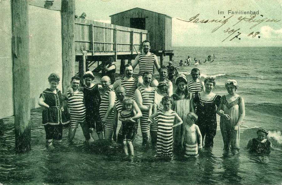 Im Familienbad Sassnitz 1908
