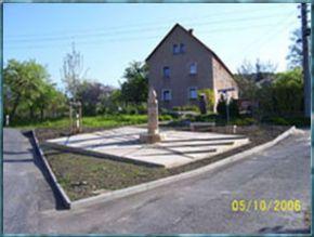 Im Jahr 2005 erbauter Brunnenplatz