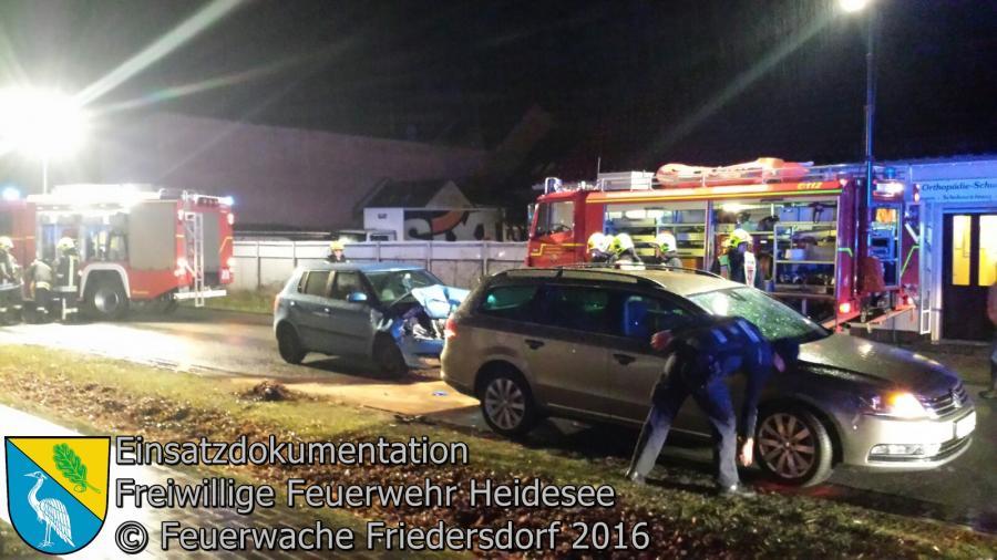 Einsatz 123/2016 | VU PKW gegen PKW | Friedersdorf Lindenstraße | 22.12.2016