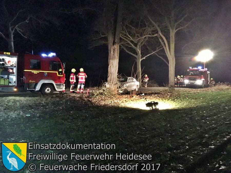 Einsatz 10/2017 | PKW gegen Baum | L39 OV Blossin - Friedersdorf 24.02.2017
