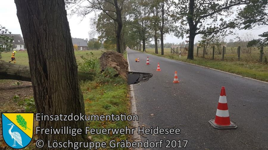 Einsatz 138/2017 | 2m² Loch in Fahrbahn | K6152 OV Gräbendorf - Gussow | 05.10.2017