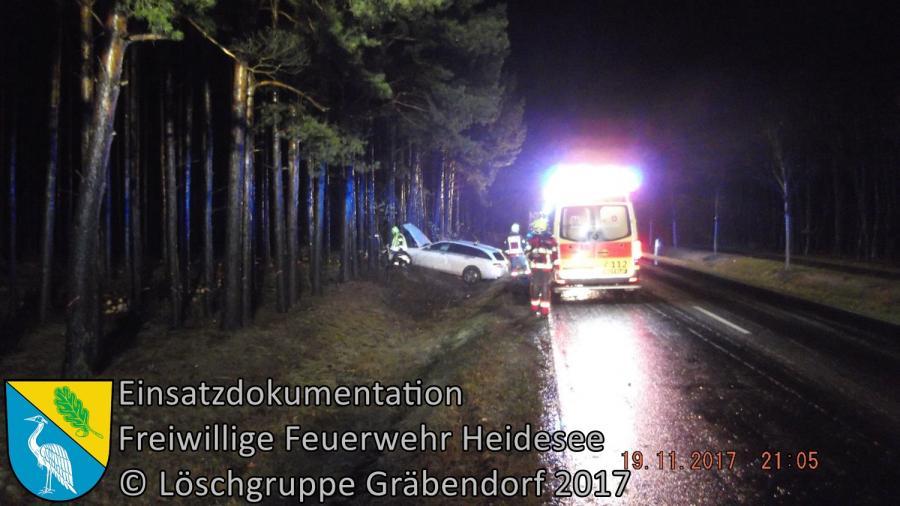 Einsatz 326/2017 | PKW gegen Baum | B246 OV Gräbendorf - Prieros | 19.11.2017