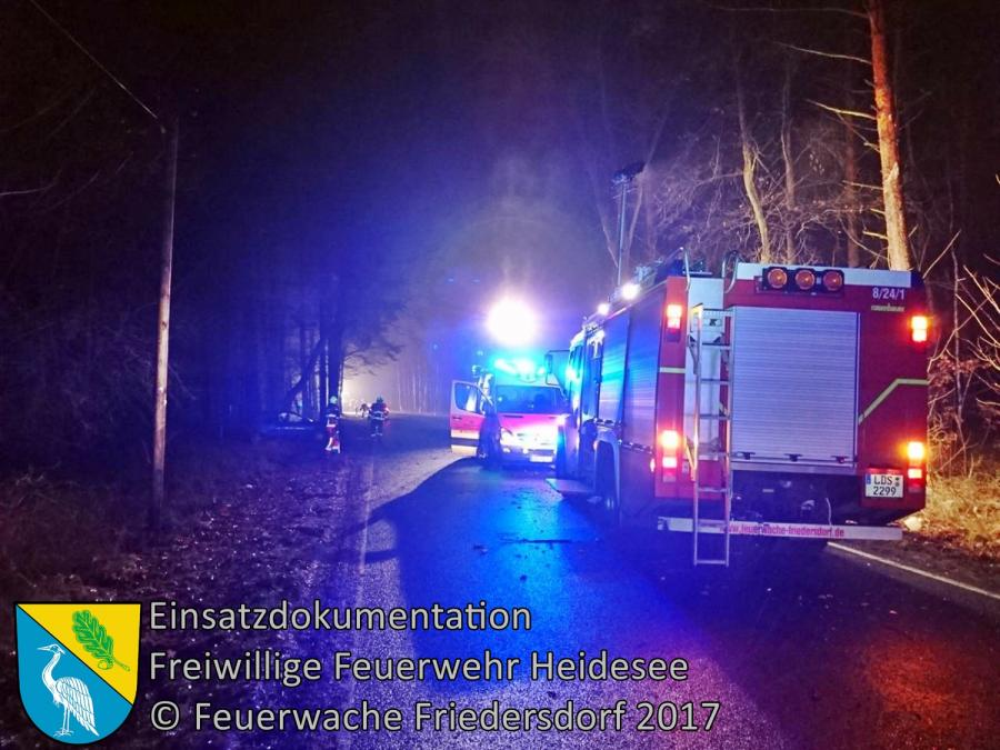 Einsatz 333/2017 | PKW gegen Baum | K6152 OV Gussow - Bindow | 21.12.2017
