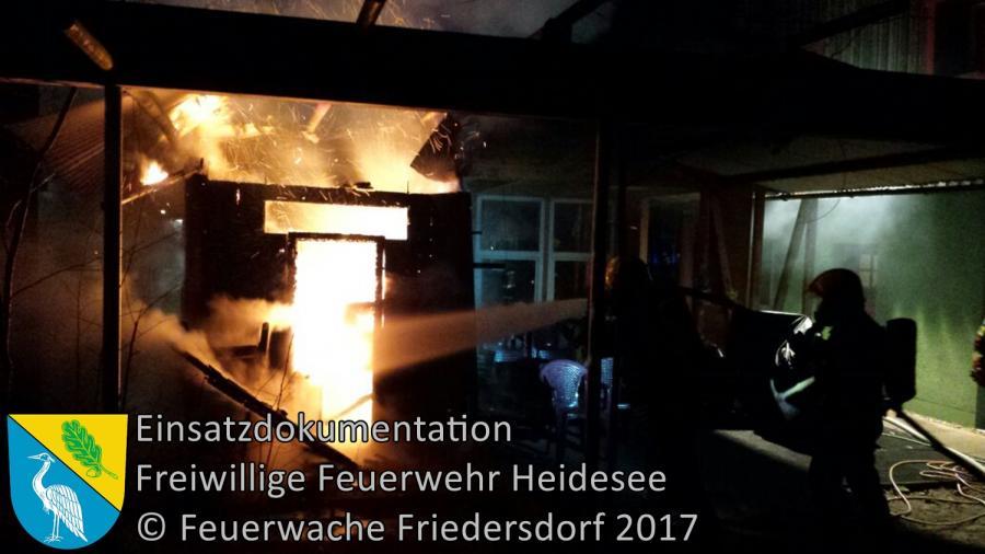Einsatz 336/2017   Sauna in Vollbrand   Bindow Urselweg   25.12.2017