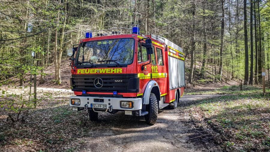 2018-04-21 Einsatzfahrzeuge im Wald 4