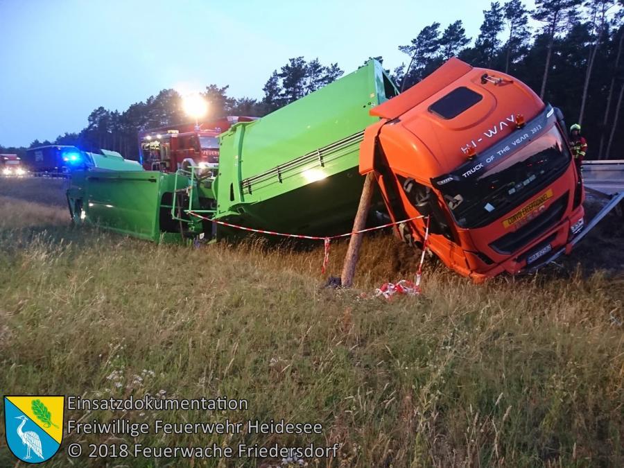 Einsatz 92/2018 | VU LKW in Graben | BAB 12 AS Friedersdorf - AS Storkow | 21.07.2018