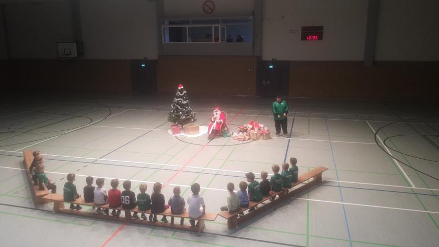 Weihnachtsfeier U4-01