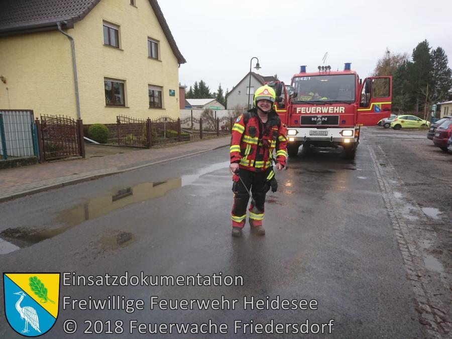 Einsatz 158/2018 | Ölfleck auf Straße | Friedersdorf Lindenstraße | 07.12.2018