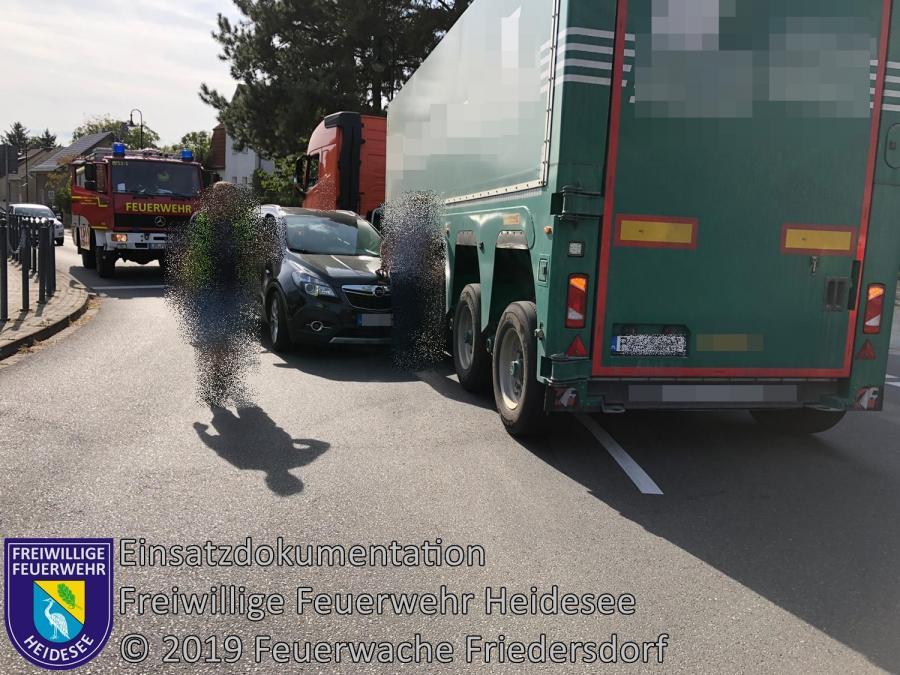 Einsatz 145/2019 | PKW gegen LKW | Zernsdorf Friedrich-Engels-Straße | 23.09.2019