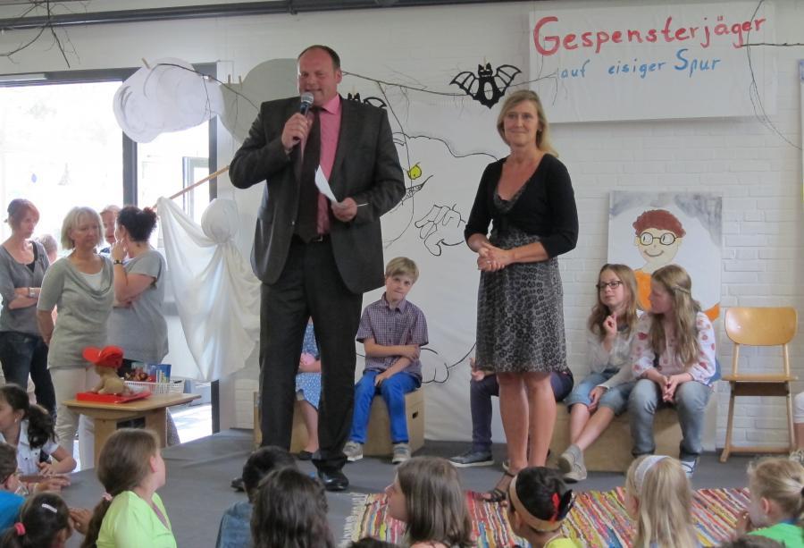 Vorlesewettbewerb mit Bürgermeister Bernd Jansen