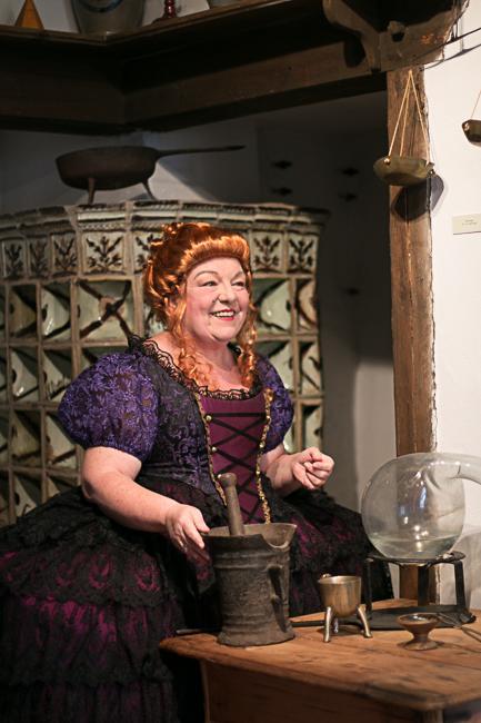 Die Frau des Alchemisten