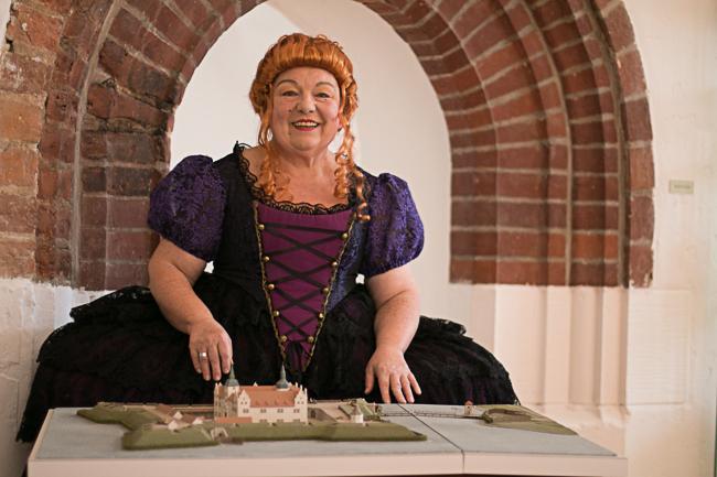 IMG_0503  Die Frau des Alchemisten_Erlebnisführung durch die Senftenberger Festung  Foto_Museum OSL