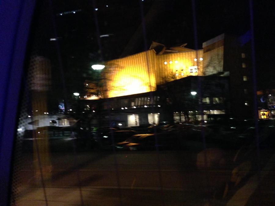 Blick von Außen auf die philharmonie