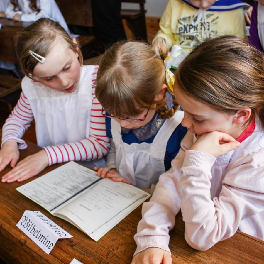 Unterricht im historischen Klassenzimmer Foto- Museum OSL