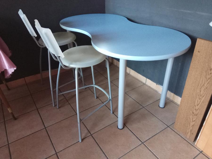 Bistrotisch mit 2 Stühlen