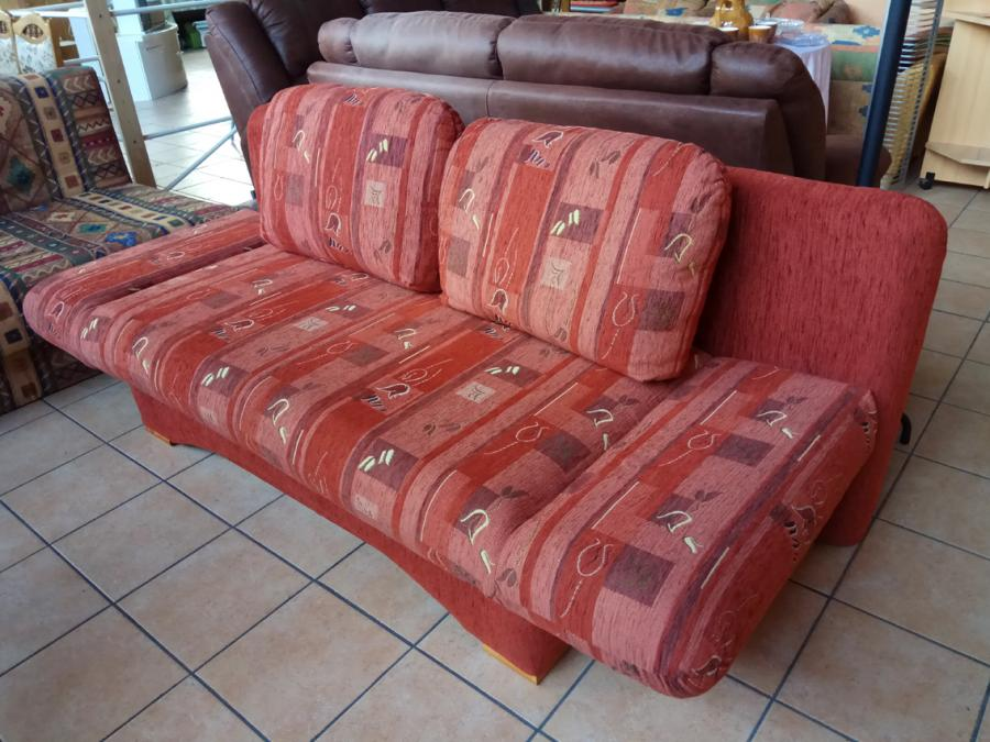 rote 2-Sitzcouch