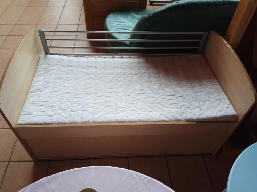 Kinderbett mit Fallschutz