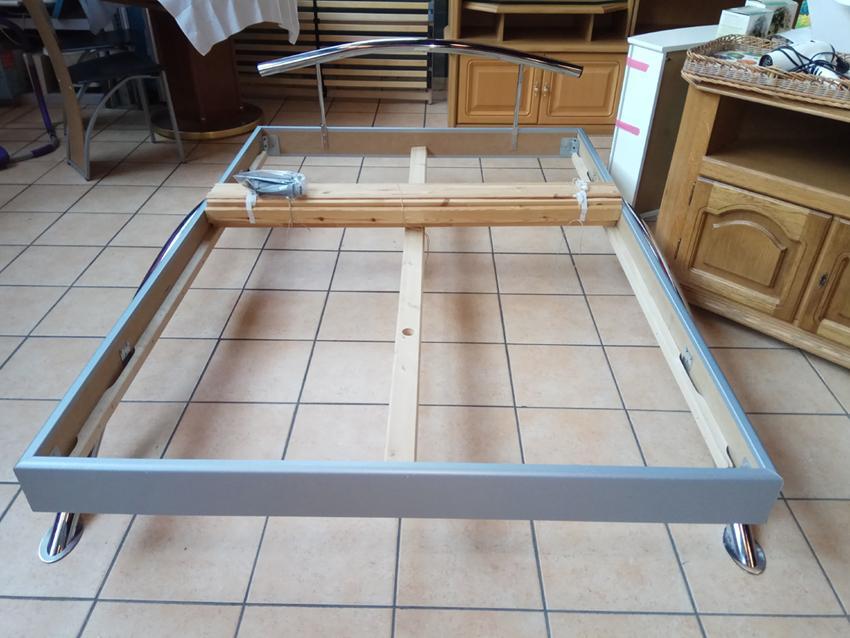 Futtonbett 140 cm ohne Matratze