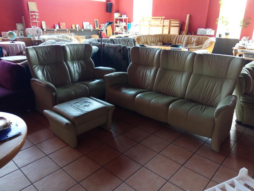 Ledercouch mit Sessel und Fußteil