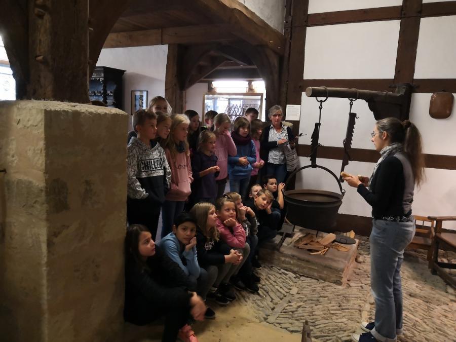 Klasse 4c im Landesmuseum