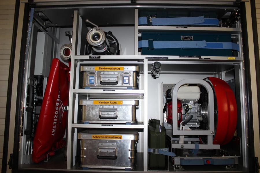 LF 20 Gerätefach 4