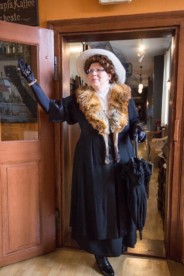 Frau Bürgermeisterin geht shoppen Foto_MuseumOSL