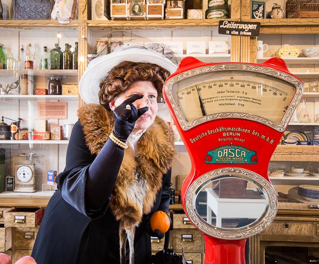 IMG_3852Frau Bürgermeisterin geht shoppen Foto_MuseumOSL