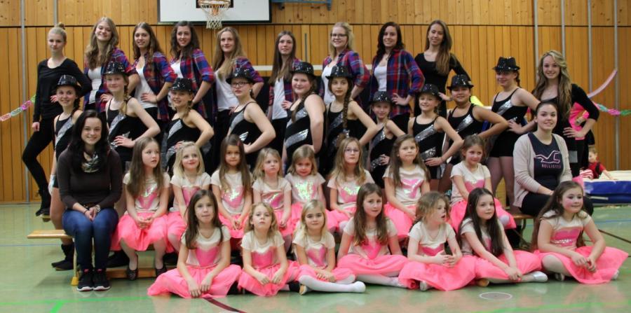 Raitenhaslacher Tänzerinnen in neuem Outfit!