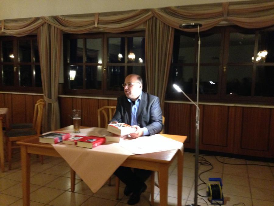 Reinhard Wenzel liest
