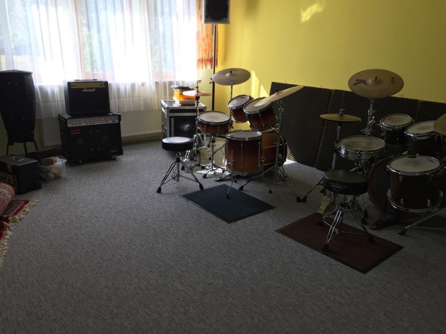 Schlagzeug-Raum in Büchenbach Kirchenstr. 7