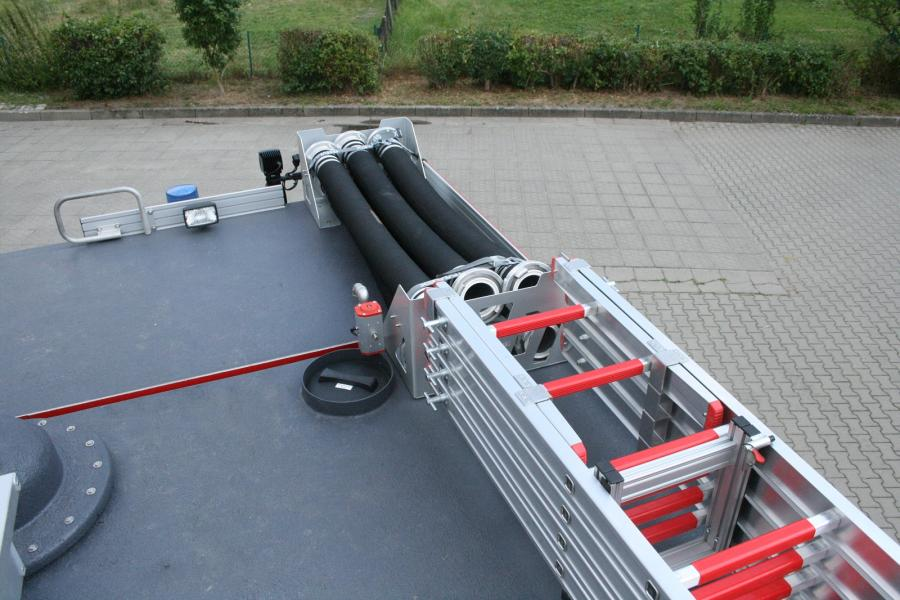 Tanklöschfahrzeug 4000 ST - Dachbeladung