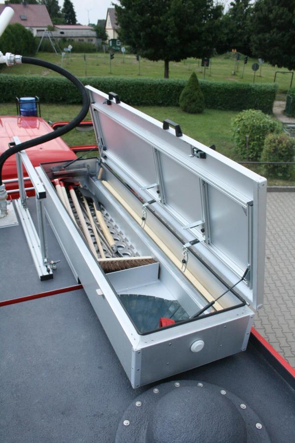 Tanklöschfahrzeug 4000 ST - Dachkasten