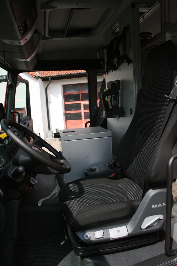 Tanklöschfahrzeug 4000 ST - Fahrerhaus