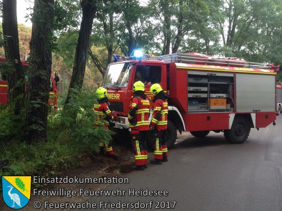 Einsatz 110/2017 | LKW droht in Oder-Spree-Kanal zu rutschen | Spreenhagen Alt Hartmannsdorfer Straße | 11.08.2017