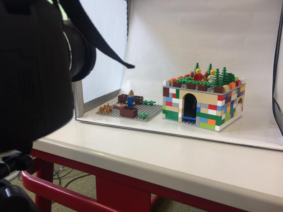 LEGO StoryStarter Fotokasten MINT-Campus Schülerforschungszentrum