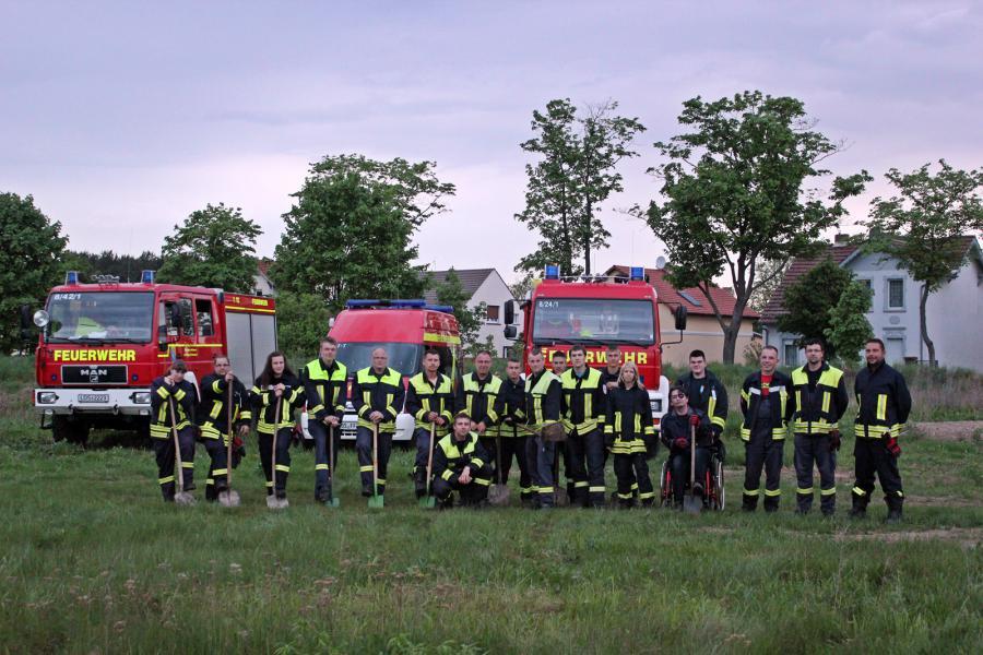 Interner Spatenstich der Kameraden des Löschzug Friedersdorf am 11.05.2012