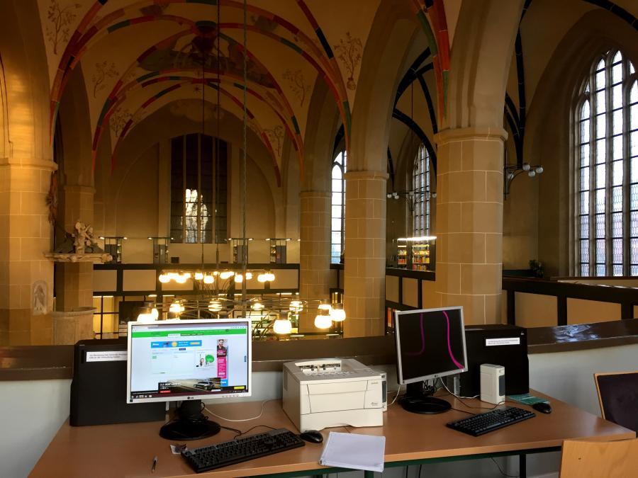 Arbeitsplatz Bibliothek im Mönchenkloster