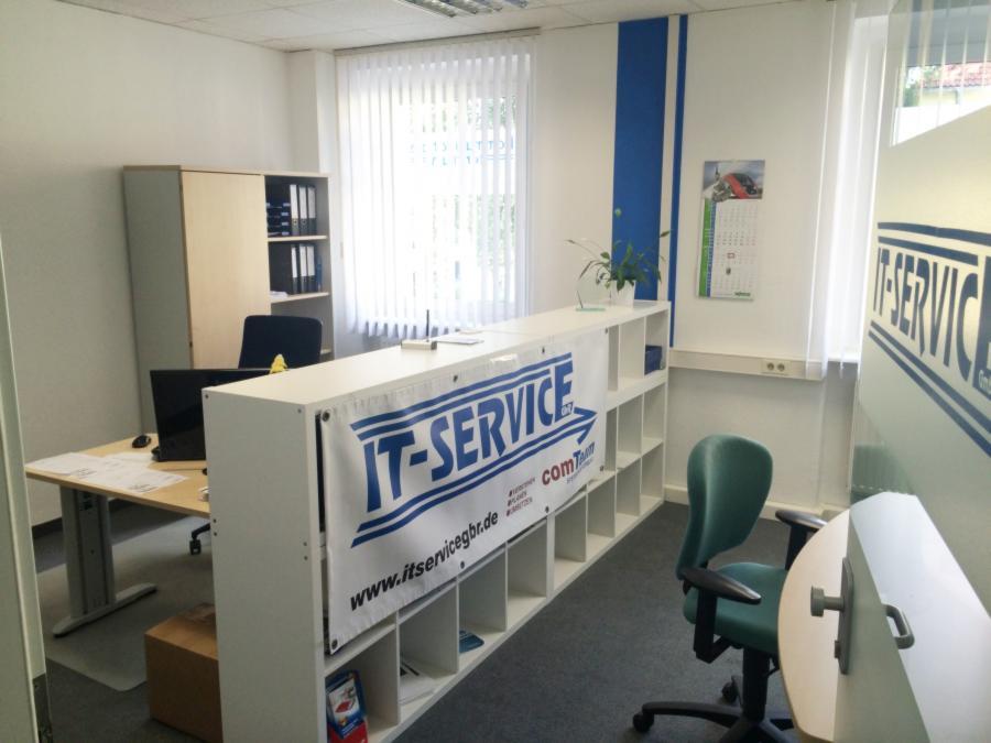 IT-SERVICE in neuen Geschäftsräumen