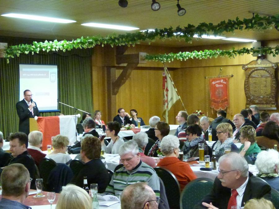 Über 130 Gäste hören Andreas Winkler zu