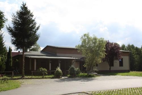 Jugend- und Dorfclub sowie Turn- und Mehrzweckhalle in Wolfshain