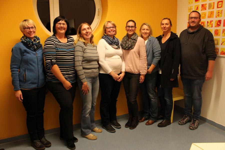 von links nach rechts: Frau Kolb, Frau Rück, Frau Brunner, Frau Muhr, Frau Schmidt, Frau Paulus, Frau Wiedmann, Herr Hausmann