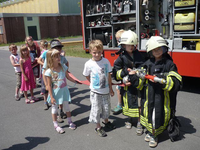 Kleine Feuerwehrmänner